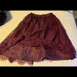 Alice +Olivia a line lace skirt in burgundy